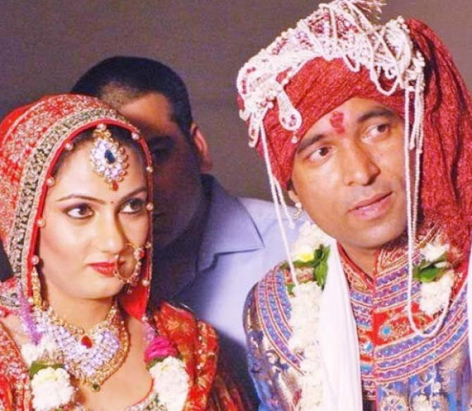 chandan prabhakar wife
